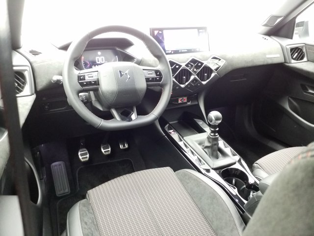 DS 3 Crossback BlueHDI 100 Ch Performance Line
