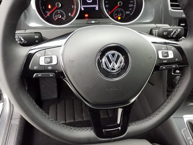 Volkswagen Golf VII TSI 130 Ch Confortline