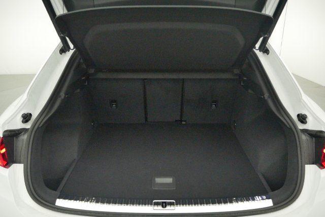 Premium-Select-Cars-Avignon-AUDI - Q3 Sportback 35 TDI 150 S-tronic7 - Design